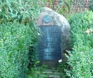 Mogensens grav på Hillerød Kirkegård vil naturligvis indgå i rundturen om besættelsestidens Hillerød, som jeg holder 4. maj